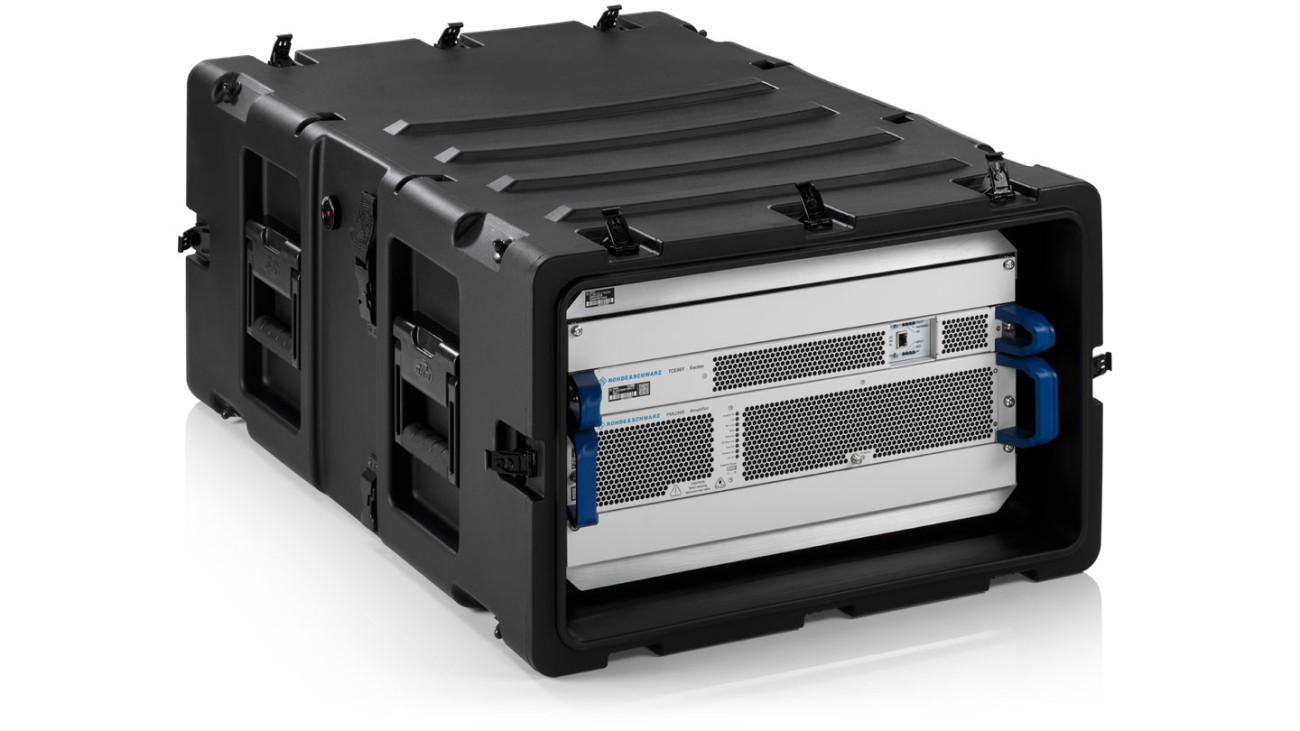R&S®TMU9evo 400W in a transportable setup - front view