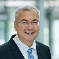 汽车电子专家 Jürgen Meyer