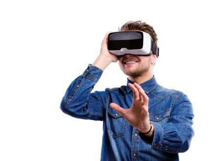 VR and AR market predictions in 2019