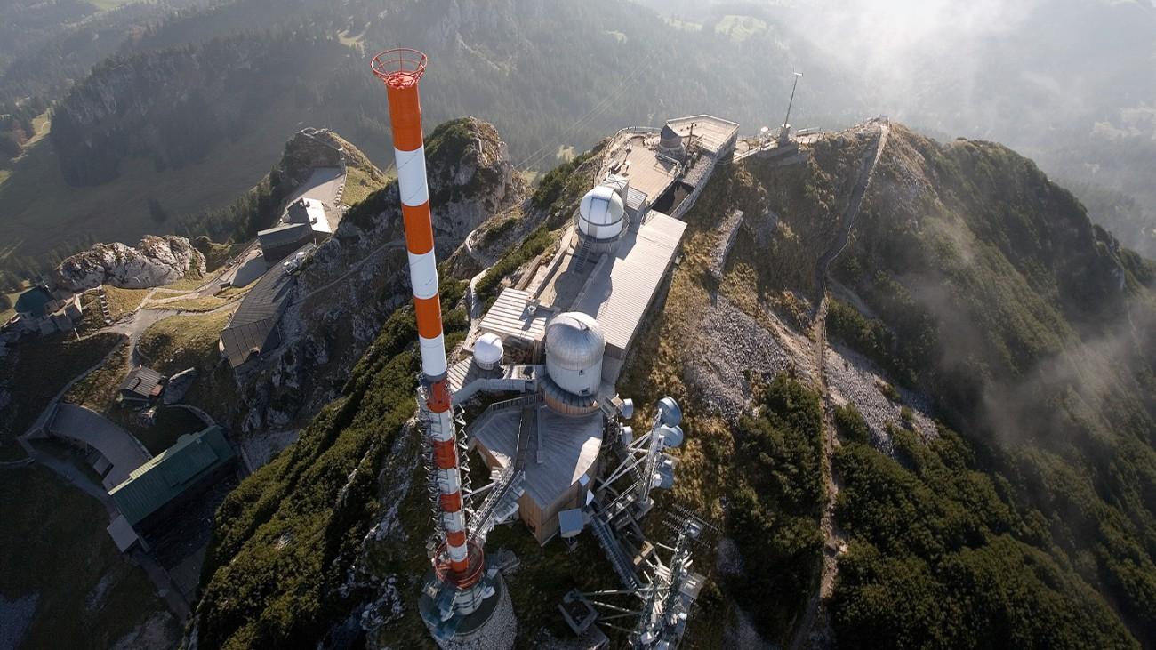 罗德与施瓦茨发射机在巴伐利亚广播公司的发射台投入运行